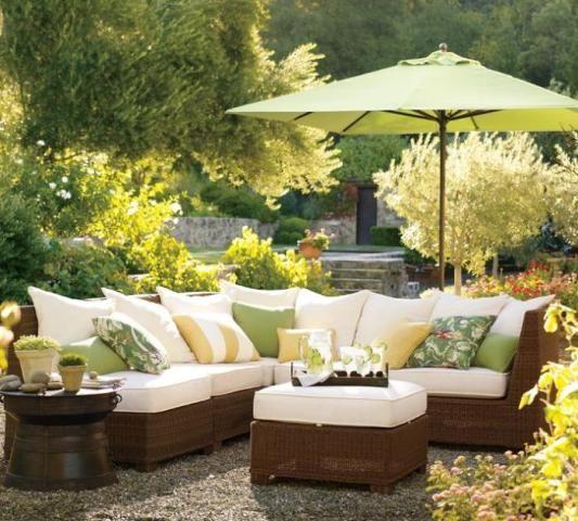 Kiểu dù nào thích hợp trang trí sân vườn biệt thự